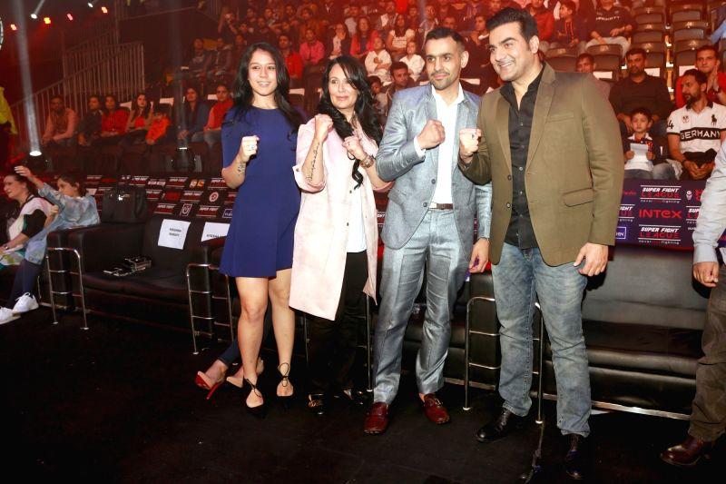 Actor Arbaaz Khan, Ayesh Shroff and Kirishna Sharoff at the at Super Fight League, in New Delhi, on February 17,2017. - Arbaaz Khan