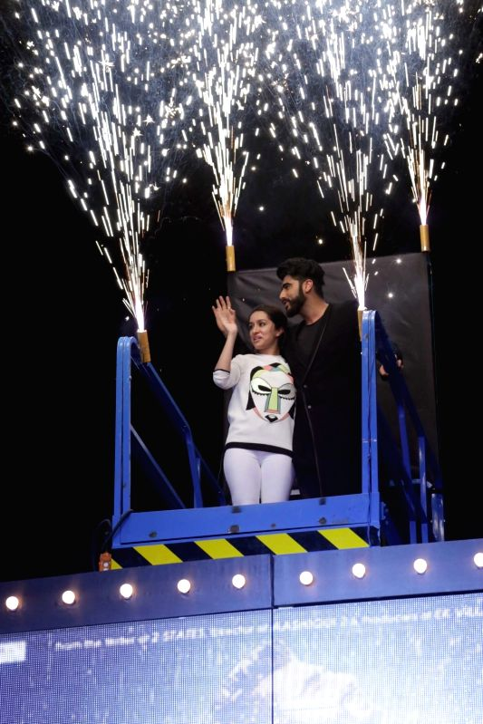 "Actor Arjun Kapoor and Shraddha Kapoor during promotion of their upcoming film ""Half Girlfriend"" in Ghaziabad on May 12, 2017. - Arjun Kapoor and Shraddha Kapoor"