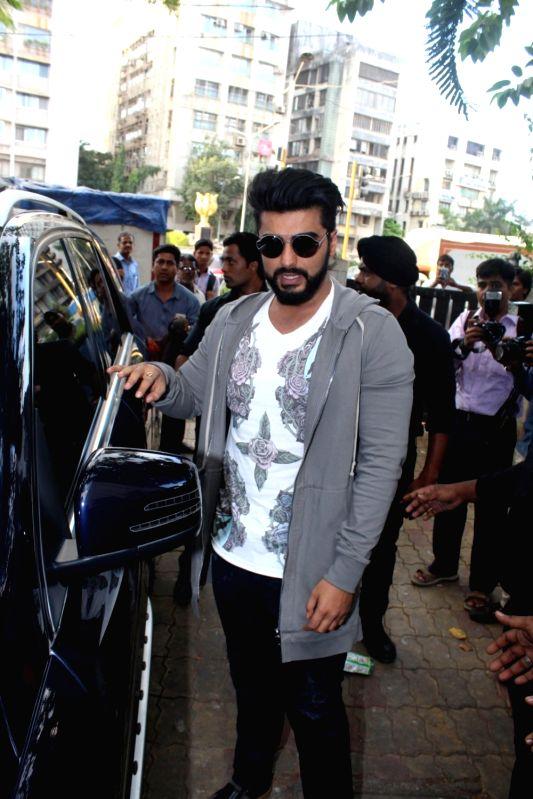"Actor Arjun Kapoor during promotions of their upcoming film ""Half Girlfriend"" Reliance Digital in Mumbai on May 19, 2017. - Arjun Kapoor"