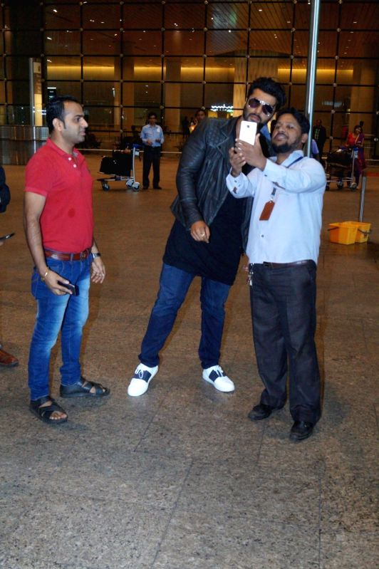 Actor Arjun Kapoor spotted at the Chhatrapati Shivaji International airport, in Mumbai, on July 31, 2016. - Arjun Kapoor