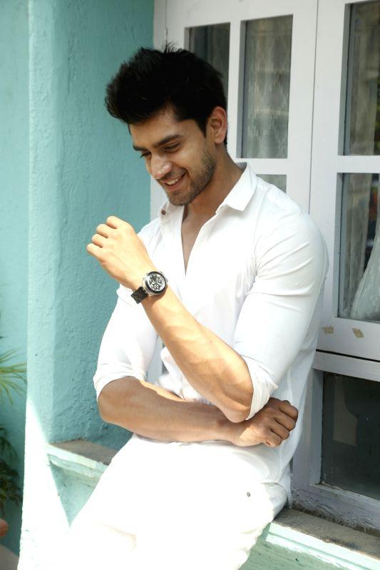 Actor Avinash Mishra.