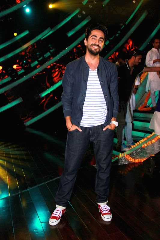 Actor Ayushman Khurana on the sets of Zee TV reality show Sa Re Ga Ma Pa Li`l Champs, in Mumbai on Feb 24, 2015. - Ayushman Khurana