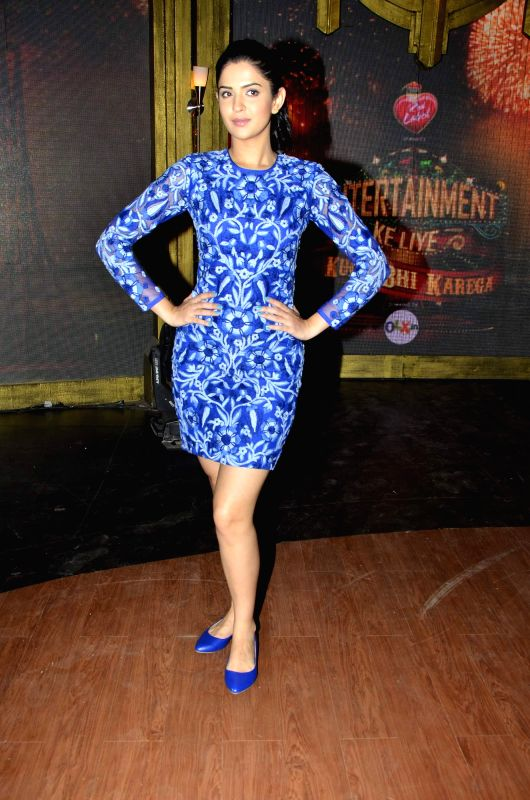 Actor Deeksha Seth on the sets of Entertainment Ke Liye Kuch Bhi Karega to promote upcoming film Lekar Hum Deewana Dil in Mumbai on June 30, 2014. - Deeksha Seth