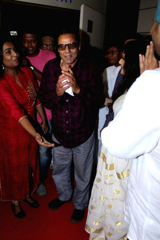 Actor Dharmendra during spiritual talk by Brahma Kumari sister Shivani on Inner Peace and Inner Power in Mumbai, on May 21, 2017. - Dharmendra