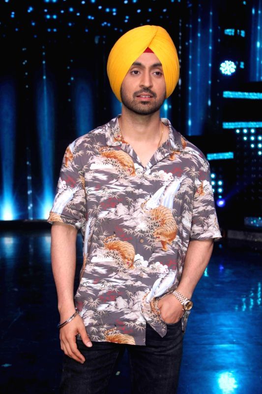 Actor Diljit Dosanjh during the promotion of film Super Singh on the sets of Star Plus TV show Nach Baliye Season 8 in Mumbai, on June 13, 2017. - Diljit Dosanjh and Singh