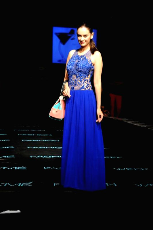 Actor Evelyn Sharma during the Grand Finale day of Lakme Fashion Week (LFW) Winter/ Festive 2014, in Mumbai, on Aug. 24, 2014. - Evelyn Sharma