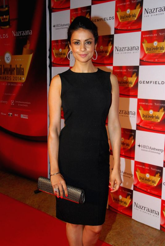 Actor Gul Panag during the 10th Annual Gemfields and Nazraana Retail Jeweller India Awards 2014 in Mumbai on July 19, 2014. (Photo : IANS) - Gul Panag