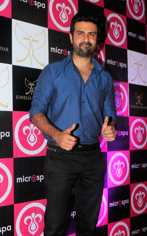 Actor Harman Baweja during the launch of Microspa, a hair and scalp care treatment spa in Mumbai, on May 7, 2014. - Harman Baweja