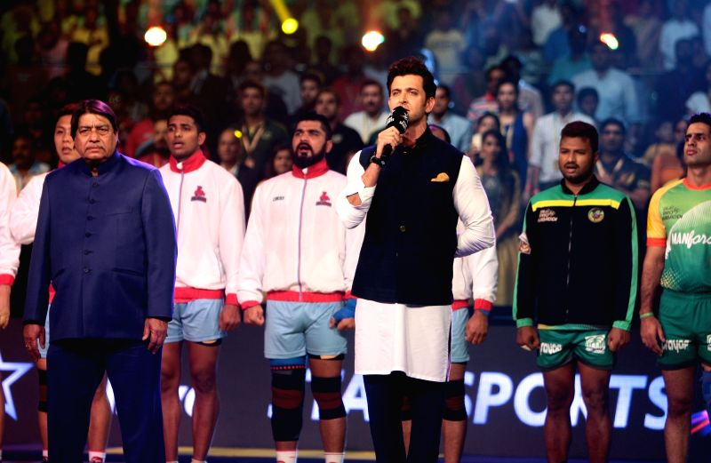 Actor Hrithik Roshan sings the National Anthem ahead the final of Pro Kabaddi League 2016 match between Patna Pirates and Jaipur Pink Panthers at Gachibowli Indoor Stadium in Hyderabad on ... - Hrithik Roshan
