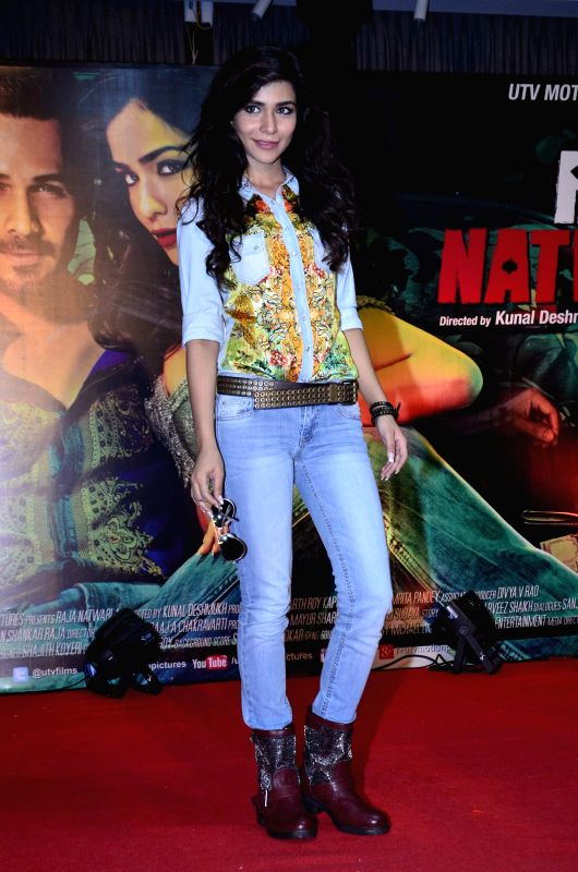 Actor Humaima Malik during the launch of film Raja Natwarlal special dance track Flip Your Collar Back in Mumbai on August 13, 2014. - Humaima Malik
