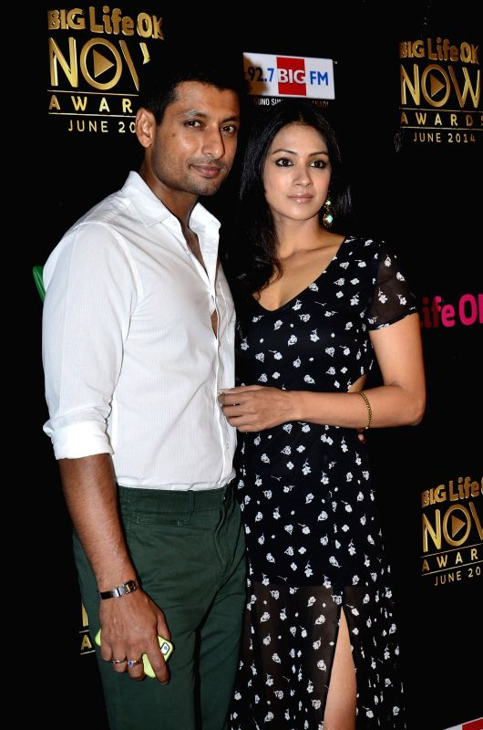 Actor Indraneil Sengupta with his wife and actor Barkha Bisht Sengupta during the Big Life OK Now Award 2014 in Mumbai on June 23, 2014. - Indraneil Sengupta