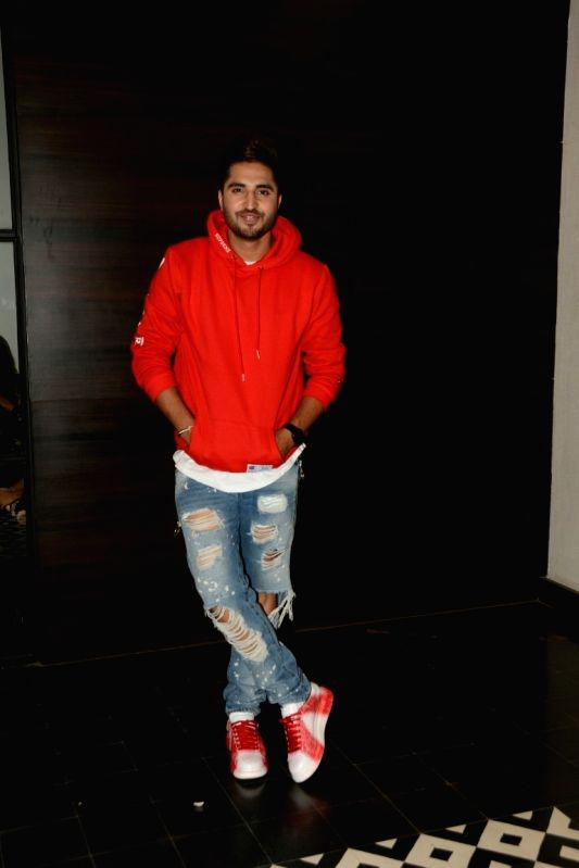 """Actor Jassi Gill at the promotion of his upcoming film """"Happy Phirr Bhag Jayegi"""" in Mumbai on Aug 9, 2018. - Jassi Gill"""