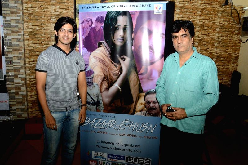 Actor Jeet Goswami and Director Ajay Mehra during a press meet of film Bazaar-E-Husn based on Munshi Premchandji's Urdu novel in Mumbai on July 11, 2014. - Jeet Goswami