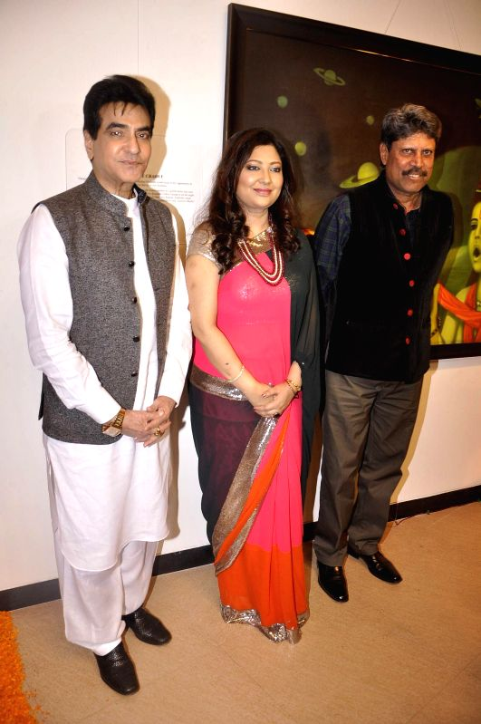 Actor Jeetendra, artist Dr Archana Shrivastava and former Indian cricketer Kapil Dev during the inauguration of art exhibition Divinity by artist Dr Archana Srivastava in Mumbai on Dec 1, 2014. - Jeetendra and Kapil Dev