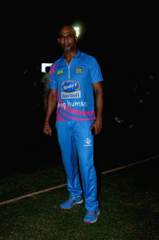 Actor Jeetu Verma during the Corporate Cricket Match Season 2, in Mumbai, on Oct 26, 2015. - Jeetu Verma