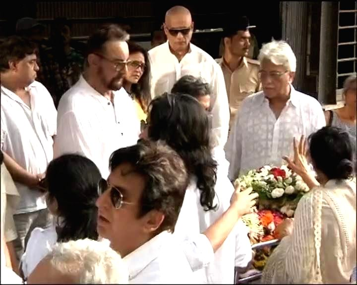 Actor Kabir Bedi and others at the funeral of veteran actor Vinod Khanna, who died in a Mumbai hospital after a prolonged illness on April 27, 2017. - Kabir Bedi and Vinod Khanna