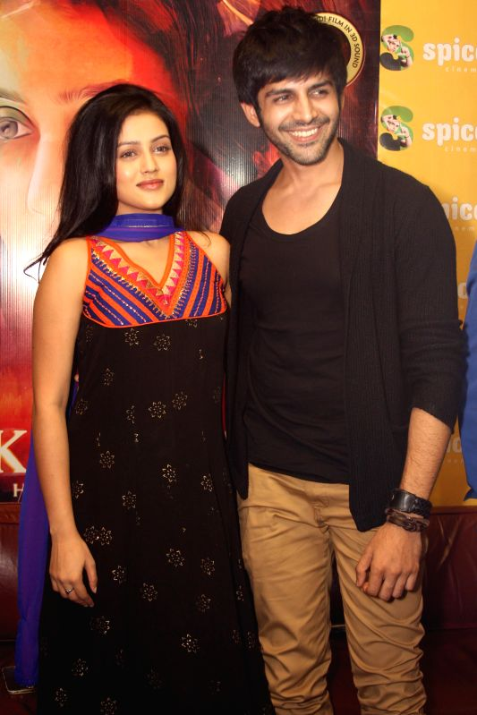 Actor Kartik Aaryan and Mishti Mukherjee during a press conference to promote their upcoming film 'Kaanchi' in Noida on April 18, 2014. - Kartik Aaryan and Mishti Mukherjee
