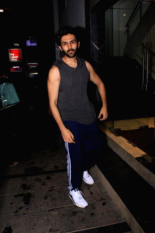 Actor Kartik Aaryan seen at a gym in Bandra, Mumbai on July 20, 2018. - Kartik Aaryan