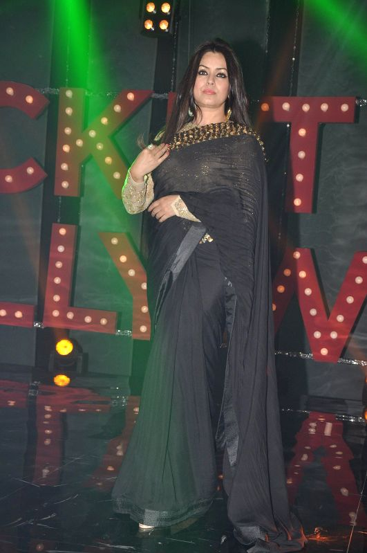 Actor Mahima Chaudhry on the sets of NDTV Prime's Ticket to Bollywood to promote her upcoming film Koyelaanchal in Mumbai, on April 25, 2014. - Mahima Chaudhry