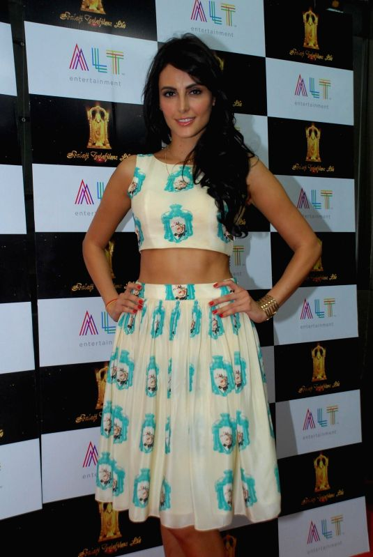 Actor Mandana Karimi during the launch of upcoming film Kya Kool Hain Hum 3 in Mumbai, on Dec 7, 2014. - Mandana Karimi