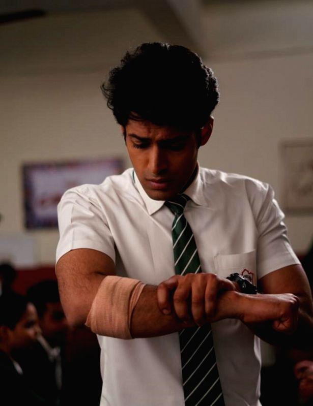 "Actor Mohit Kumar recently got injured while shooting for his TV show ""Ek Duje Ke Vaaste 2""."