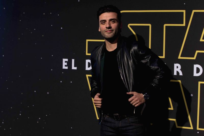"Actor Oscar Isaac Hernandez poses during the event for fans of the Star Wars saga for its new movie ""The Force Awakens"", in Mexico City, capital of ... - Oscar Isaac Hernandez"