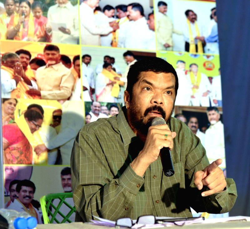 Actor Posani Krishna Murali addresses a press conference in Hyderabad on June 11, 2018. - Posani Krishna Murali