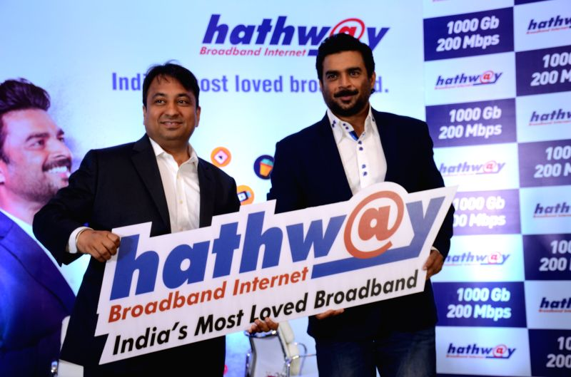 Actor  R Madhavan roped in as the brand ambassador for hathway broadband (L-R) Mr. Rajan Gupta - M.D Hathway, R Madhavan. - R Madhavan and Rajan Gupta