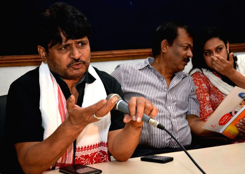 Actor Raghubir Yadav address a press conference during Natasurya Drama Festival in Guwahati on Aug 6, 2014.