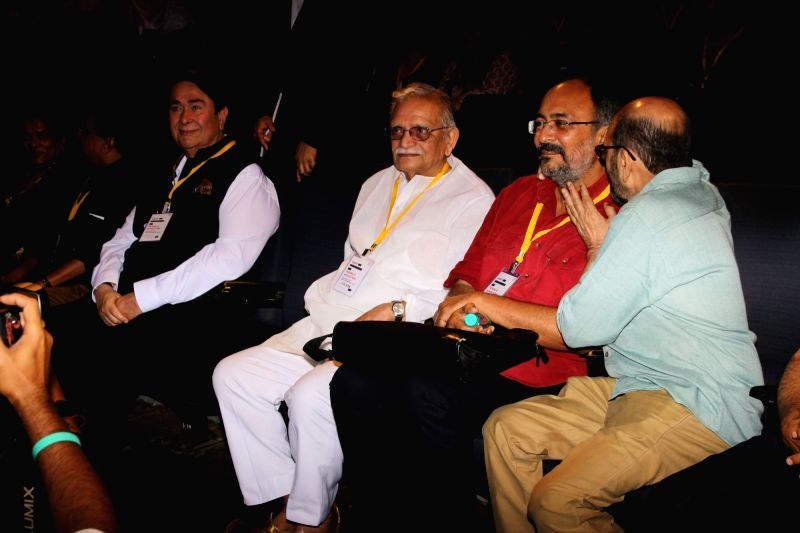 Actor Randhir Kapoor and award-winning poet, lyricist and film-maker Gulzar at the 5th edition of Indian Screenwriters Conference in Mumbai on Aug 3, 2018. - Randhir Kapoor
