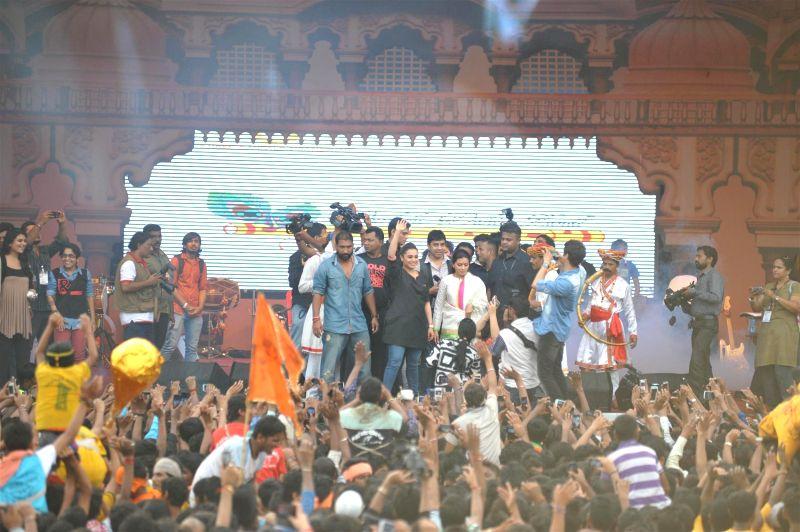 Actor Rani Mukherji during Shri Sankalp Pratishthan`s Dahi Handi celebrations in Mumbai on Aug. 18, 2014. (Photo: IANS) - Rani Mukherji