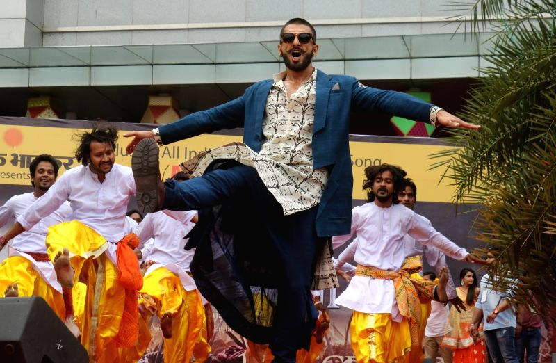 "Actor Ranveer Singh performs during the promotion of his upcoming film ""Bajirao Mastani""  in Bhopal, on Nov 28, 2015. - Ranveer Singh"