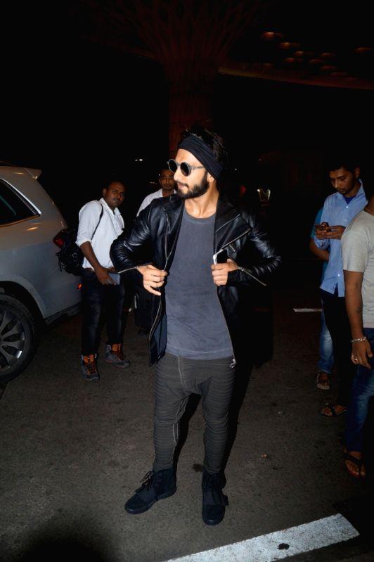 Actor Ranveer Singh spotted at the Chhatrapati Shivaji International airport in Mumbai, on Aug 4, 2016. - Ranveer Singh