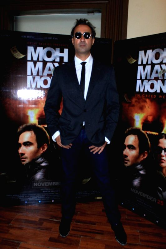 actor-ranvir-shorey-during-the-media-int