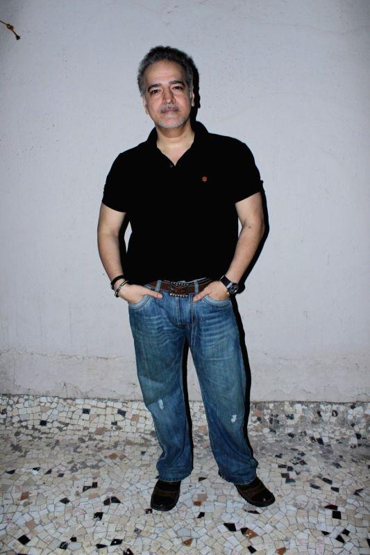 Actor Ravi Behl during the Rajesh Roy's Birthday Party in Mumbai on April 11, 2017. - Ravi Behl and Rajesh Roy