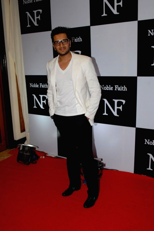 http://files.prokerala.com/news/photos/imgs/800/actor-ritesh-deshmukh-during-the-launch-of-the-212738.jpg