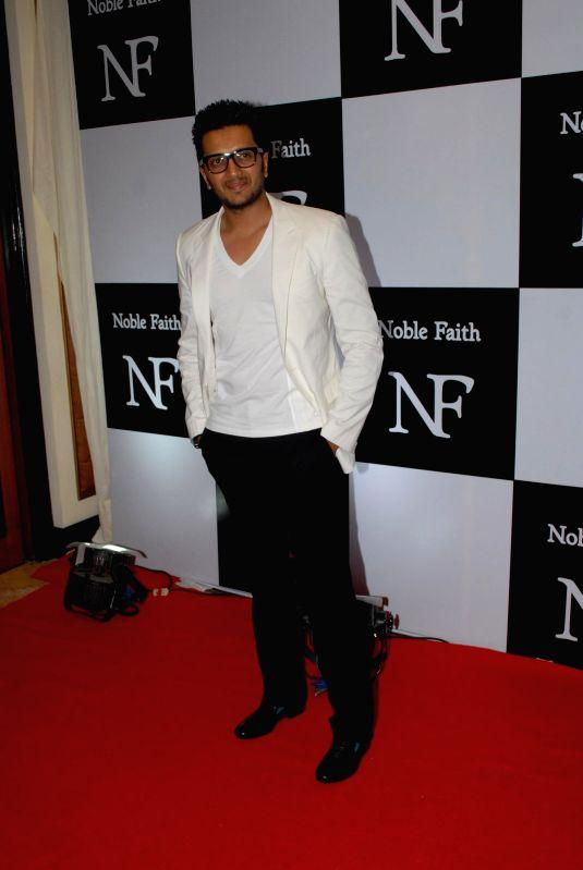 http://files.prokerala.com/news/photos/imgs/800/actor-ritesh-deshmukh-during-the-launch-of-the-212738.jpg
