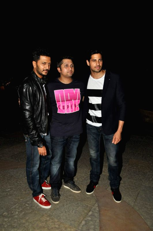 Actor Ritesh Deshmukh, filmmaker Mohit Suri and Siddharth Malhotra during the press conference for the success of film Ek Villian at Hotel Sun N Sand in Mumbai, on July 1, 2014. - Ritesh Deshmukh and Siddharth Malhotra
