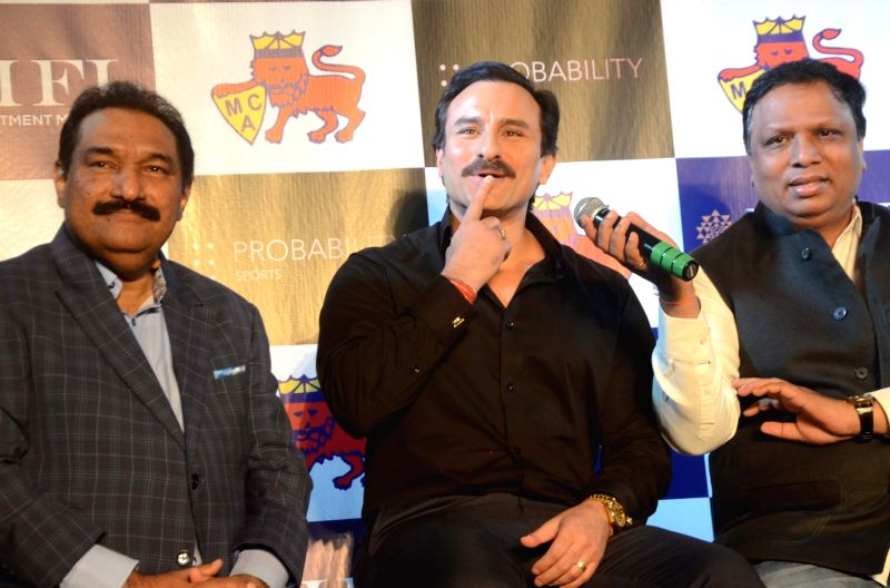 Actor Saif Ali Khan and Mumbai Cricket Association (MCA) president Ashish Shelar at the launch of Mumbai T20 League by MCA on Dec 7, 2017. - Saif Ali Khan