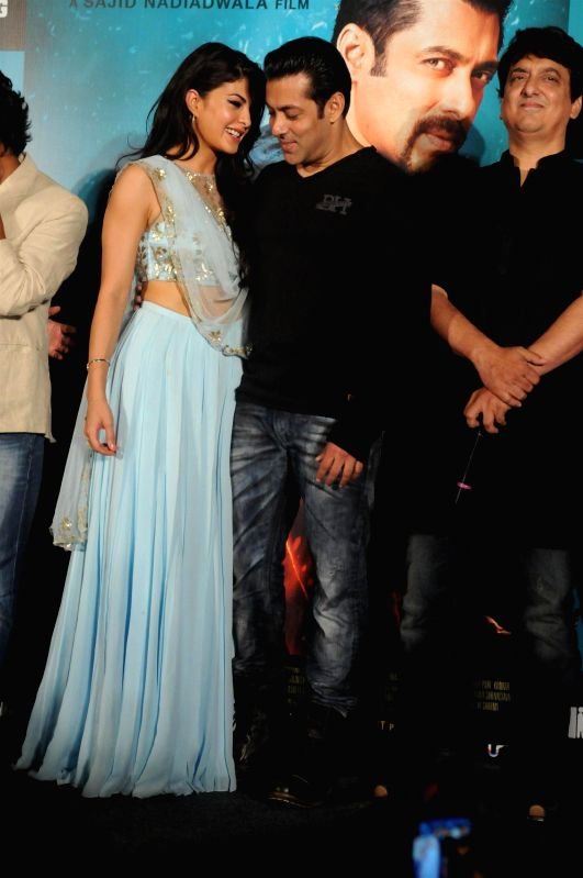Actor Salman Khan and Jacqueline Fernandes during the trailer launch of the film Kick in Mumbai on June 15, 2014. - Salman Khan and Jacqueline Fernandes