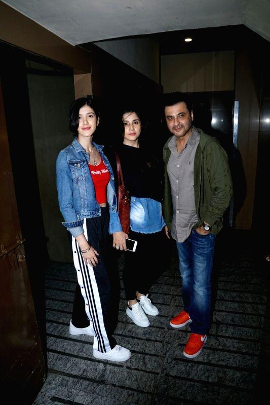 Actor Sanjay Kapoor with his wife Maheep Sandhu and daughter Shanaya Kapoor seen at a cinema theatre in Juhu, Mumbai on July 29, 2018. - Sanjay Kapoor and Shanaya Kapoor