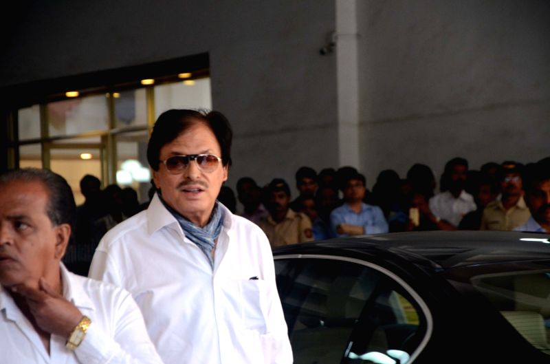Actor Sanjay Khan arrives to attend the prayer meet of his father and late actor Vinod Khanna at Nehru Centre in Mumbai, on May 3, 2017. - Sanjay Khan and Vinod Khanna