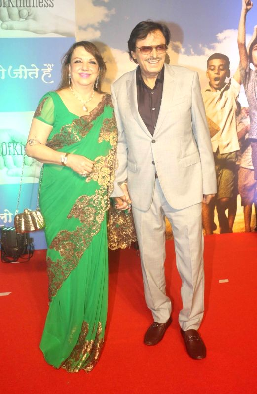 "Actor Sanjay Khan with wife Zarine during screening of film ""Chalo Jeete Hai"", in Mumbai on July 28, 2018. - Sanjay Khan"