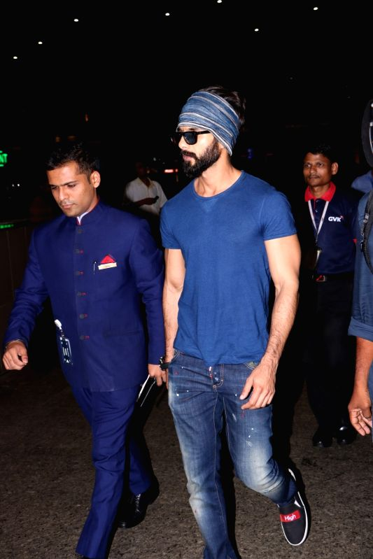 Actor Shahid Kapoor spotted at airport, in Mumbai, on May 25, 2017. - Shahid Kapoor