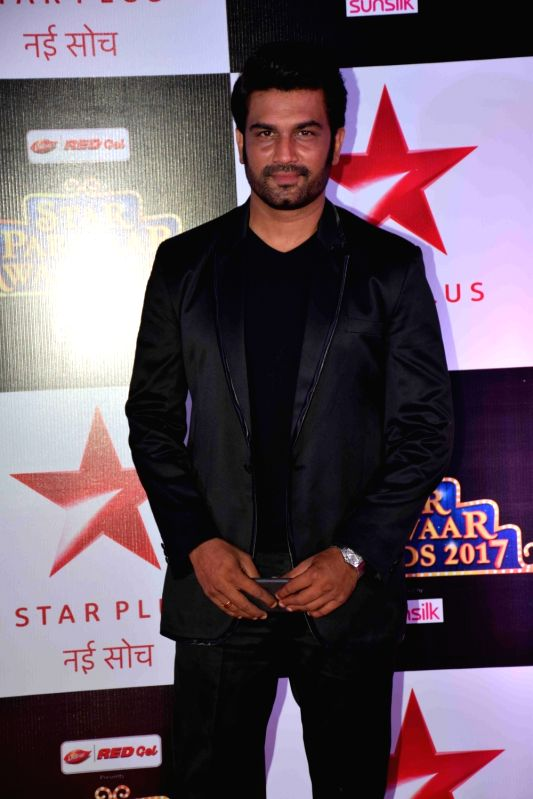 Actor Sharad Kelkar during the red carpet of Star Parivaar Awards 2017 in Mumbai on May 13, 2017. - Sharad Kelkar