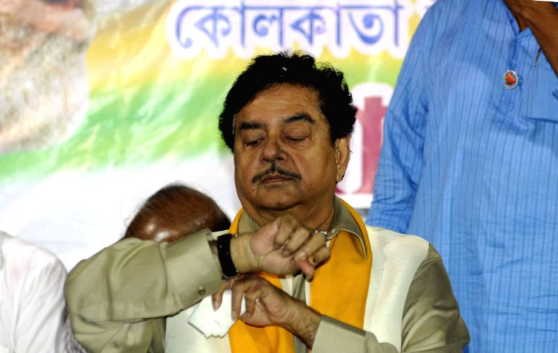 Actor Shatrughan Sinha during an election campaign in Kolkata on May 5, 2014.