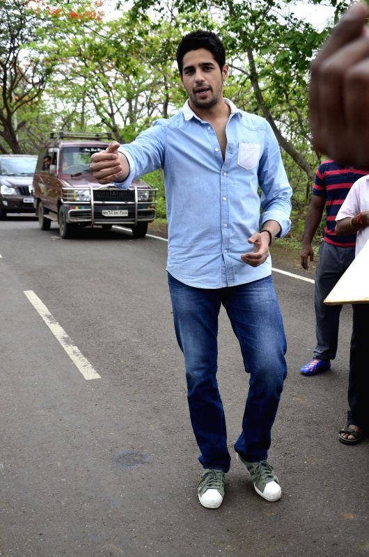 Actor Siddharth Malhotra during the on location shoot of television serial CID to promote his upcoming film Ek Villian in Mumbai on June 23, 2014. - Siddharth Malhotra