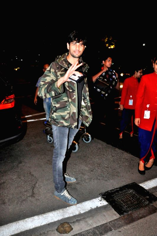 Actor Sidharth Malhotra spotted at airport, in Mumbai, on May 31, 2016. - Sidharth Malhotra