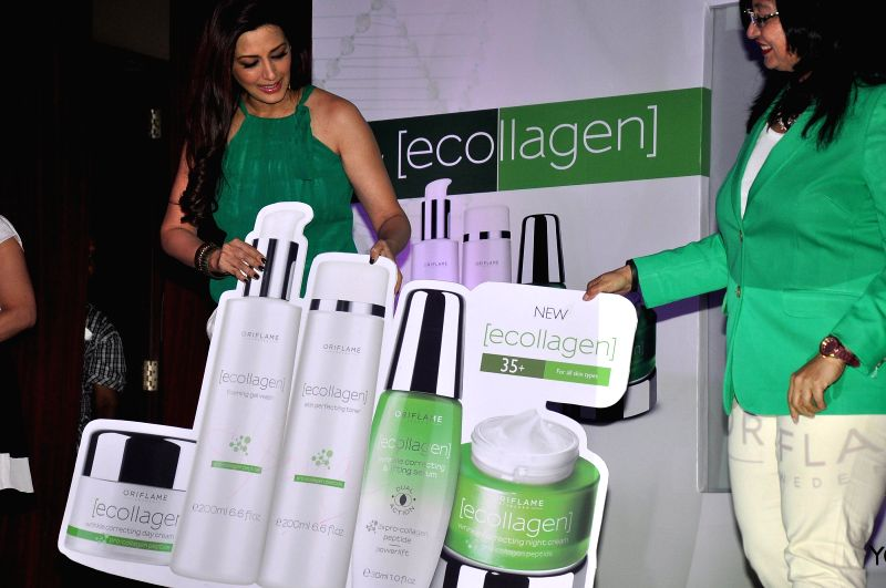 Actor Sonali Bendre and Pradnya Deshpande, Sales Director , Oriflame India during the launch of Oriflame Ecollagen Range in Mumbai, on August 1, 2014.