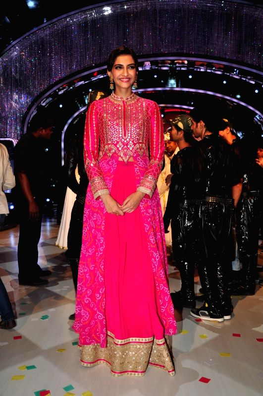 Actor Sonam Kapoor on the sets of Jhalak Dikhla Jaa during the promotion of film Khoobsurat in Mumbai on Sept 2, 2014. - Sonam Kapoor